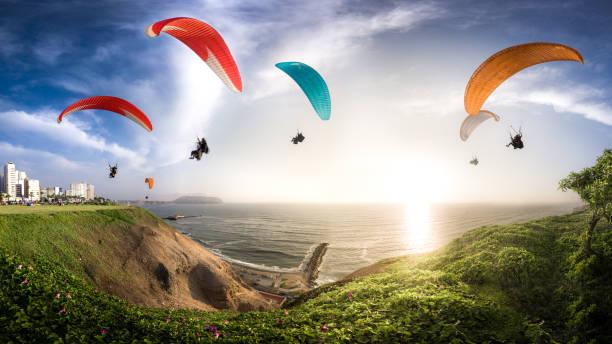 Paraglides in miraflores town picture id1075516924?b=1&k=6&m=1075516924&s=612x612&w=0&h=peg1uwdglldrunjubh z1wzbzyzbl1iaq fozo8m wu=