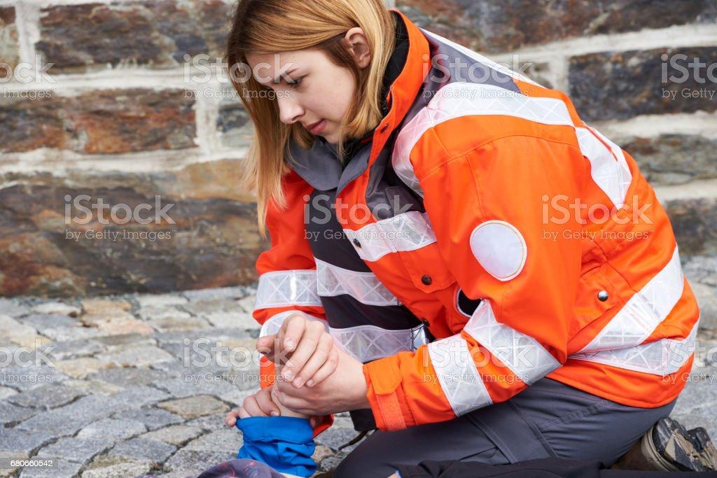 Técnico en urgencias médicas - foto de stock