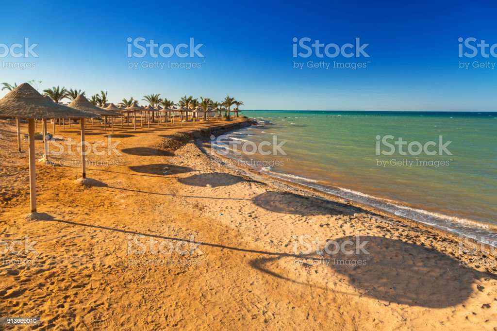 Parasols on the beach of Red Sea in Hurghada – zdjęcie