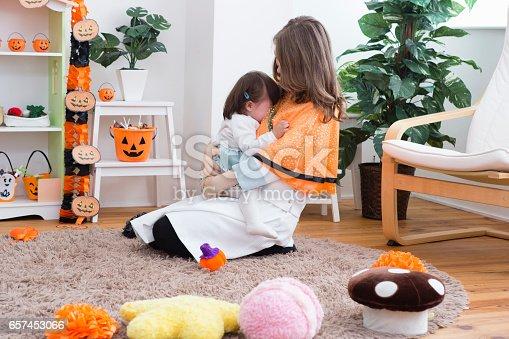 istock Parent-child room decorations for Halloween 657453066