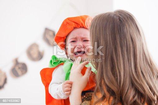 istock Parent-child room decorations for Halloween 657453562