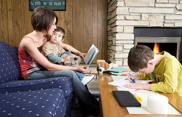 parenting - kurzgeschichten stock-fotos und bilder