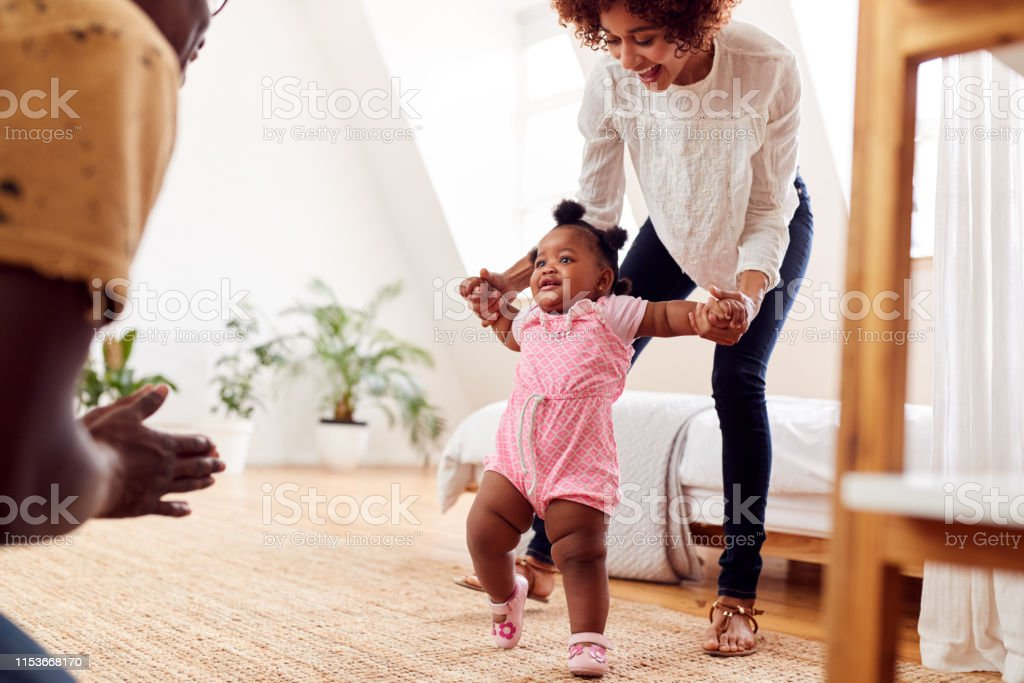 BABY LEARNING TO WALK ANTIQUE FASHION BABIES FIRST STEP MOTHER AND BABY