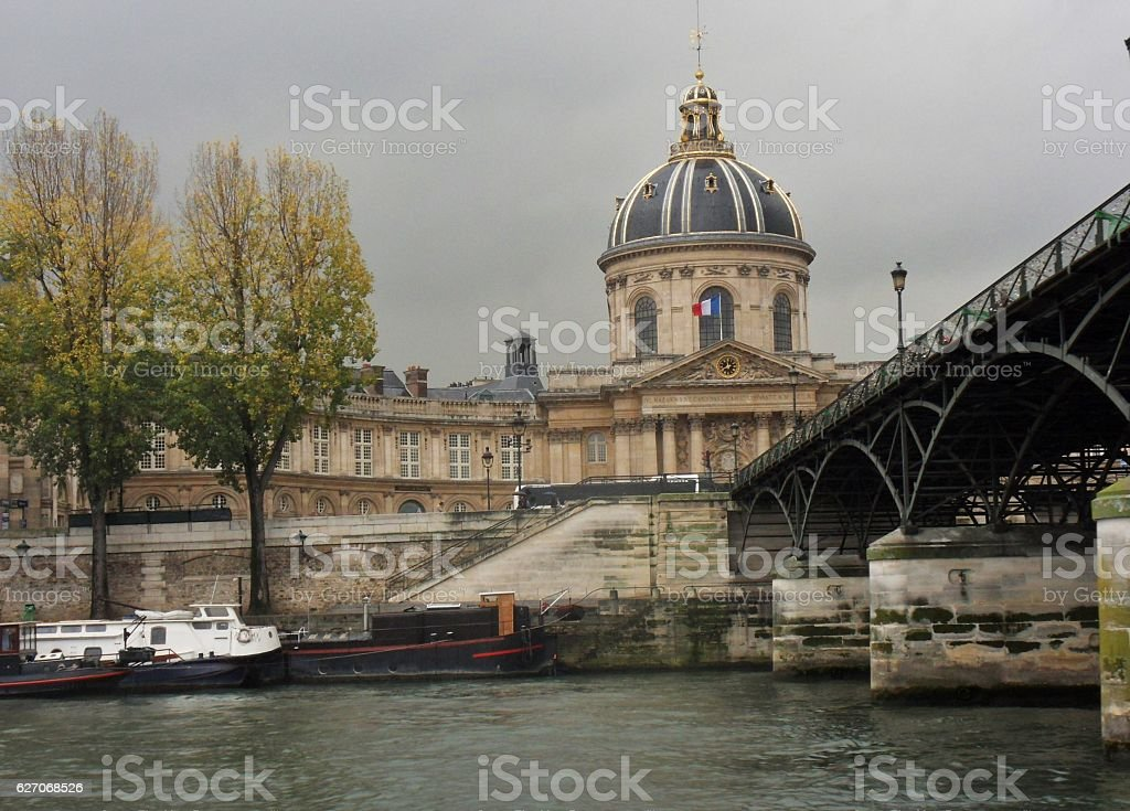 Parigi - Istituto di Francia dalla Senna stock photo