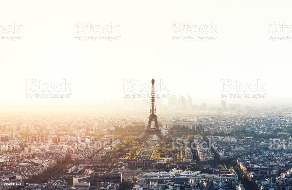 Paysage urbain de Paris avec la tour Eiffel - Photo