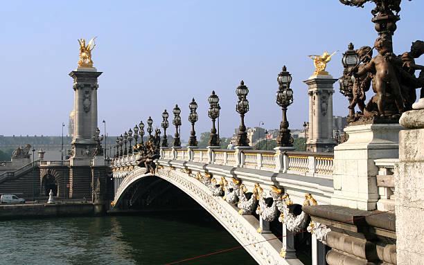 paris. concorde pont sur la seine - avion supersonique concorde photos et images de collection