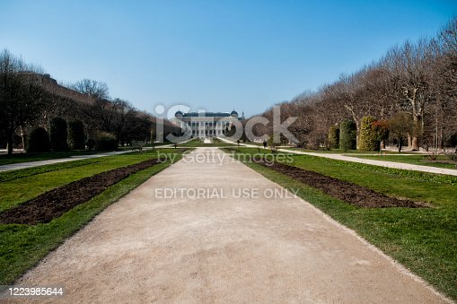 Paris 5 : Jardin des Plantes, with Museum national d'Histoire Naturelle in background,  is empty during pandemic Covid 19 in Europe. There are no people because people must stay at home and be confine. Schools, restaurants, stores, museums... are closed - Paris, in France. March 18, 2020.