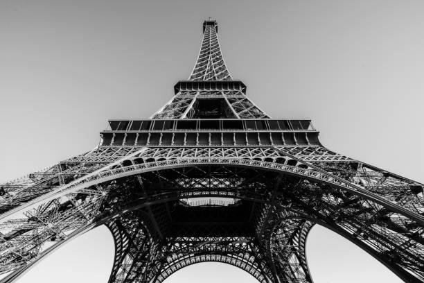 paris - tour eiffel photos et images de collection