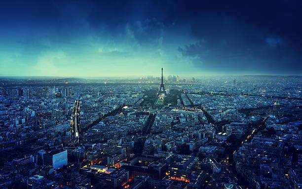 skyline bei Sonnenuntergang in Paris, Frankreich – Foto