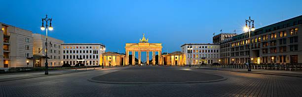Paris Platz und dem Brandenburger Tor bei Nacht, Panorama, Berlin, Deutschland – Foto