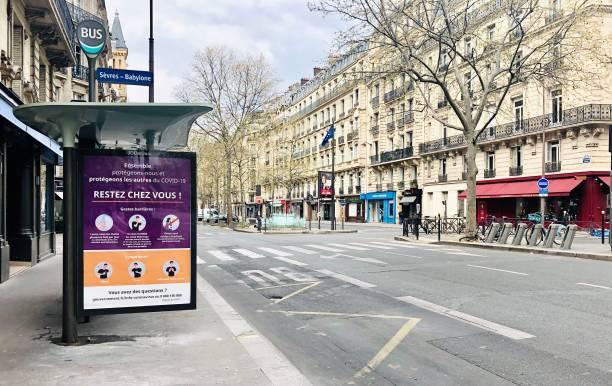 paris : les rues sont vides pendant la pandémie covid 19 en europe. - france photos et images de collection