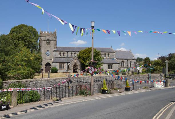 Pfarrkirche in Ingleton North Yorkshire während Festivals. – Foto