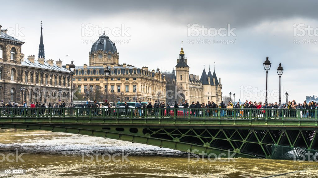 Parisian bridge and Seine river flood - Royalty-free Accidents and Disasters Stock Photo