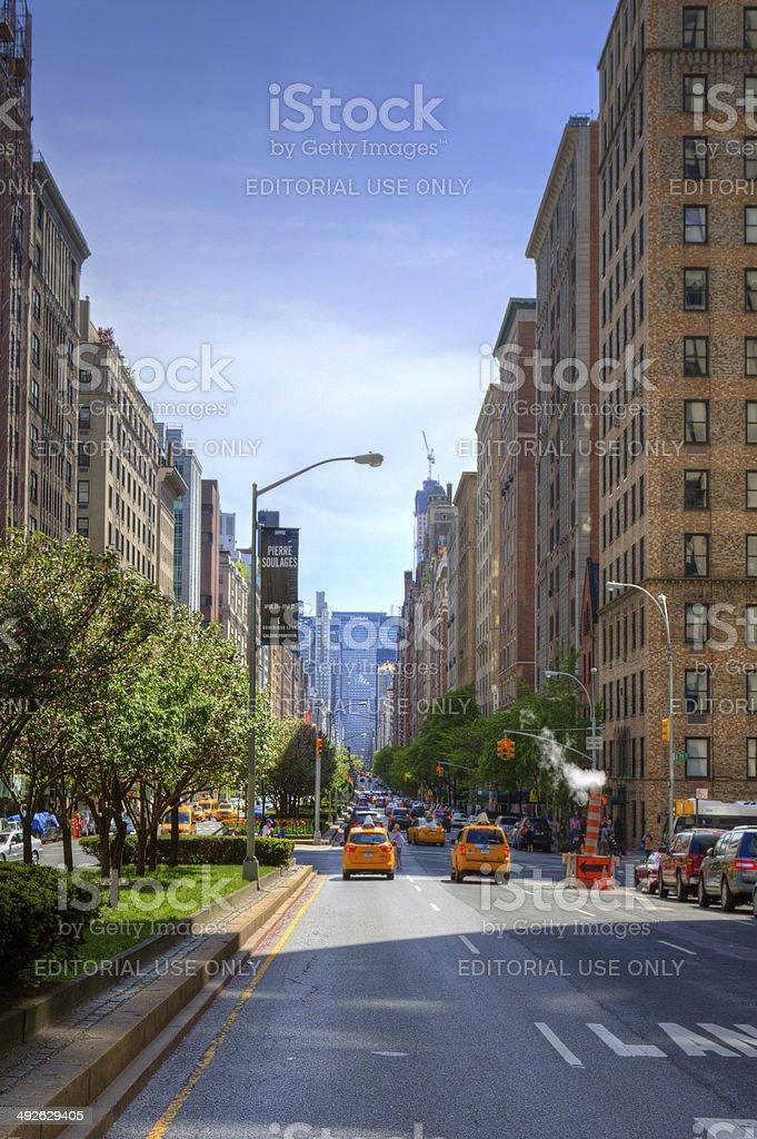 Park Avenue を進みマンハッタンアッパーイーストサイドニューヨークシティー Suvのストックフォトや