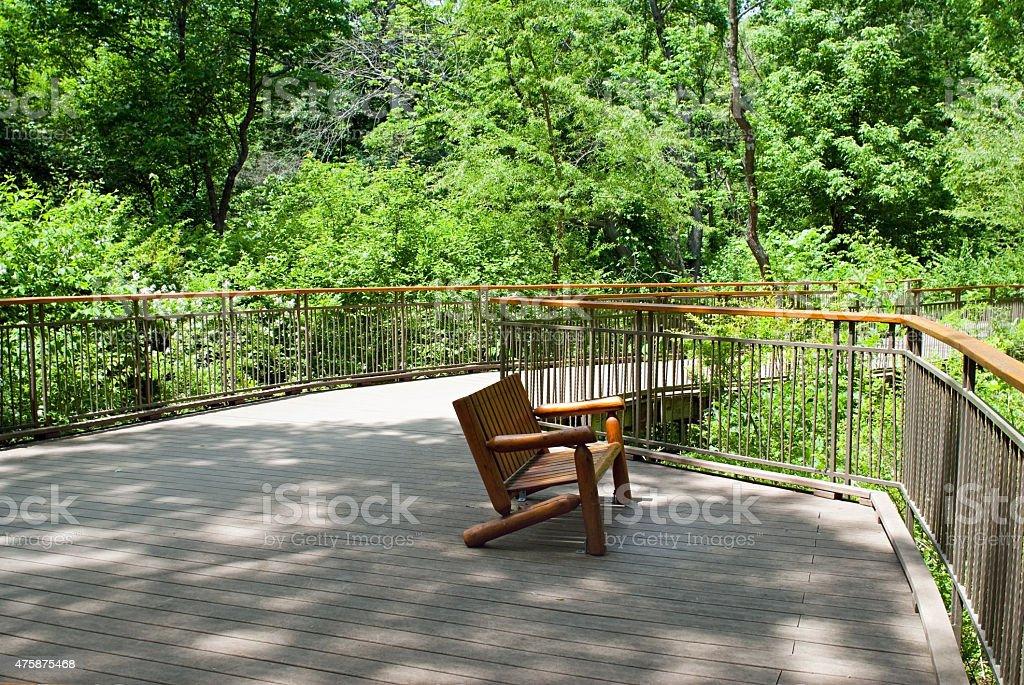 Park área De Terraza De Madera Foto De Stock Y Más Banco De