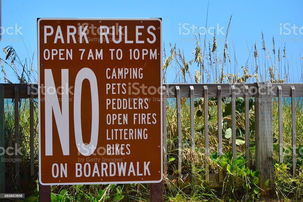Park Rules on Beach Boardwalk - foto de acervo