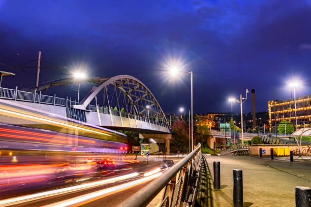 park square bridge, sheffield - yorkshire meridionale foto e immagini stock