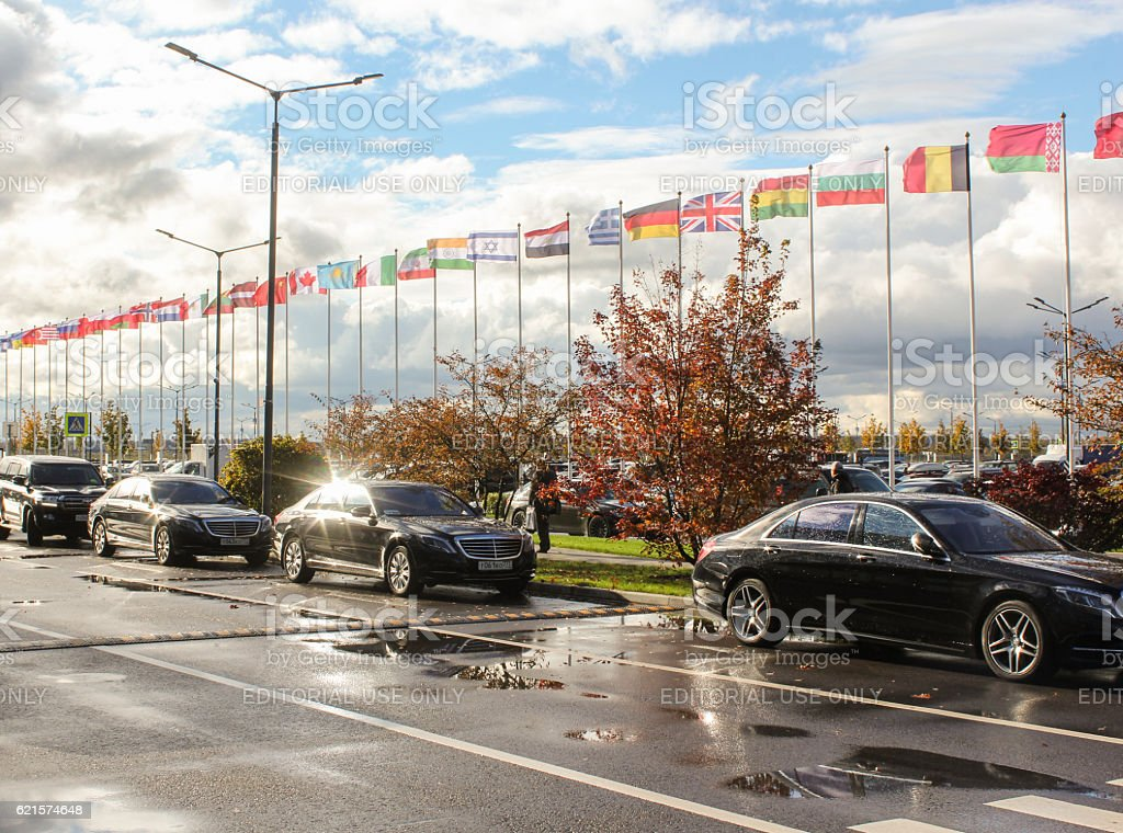 Parked cars executive class. photo libre de droits