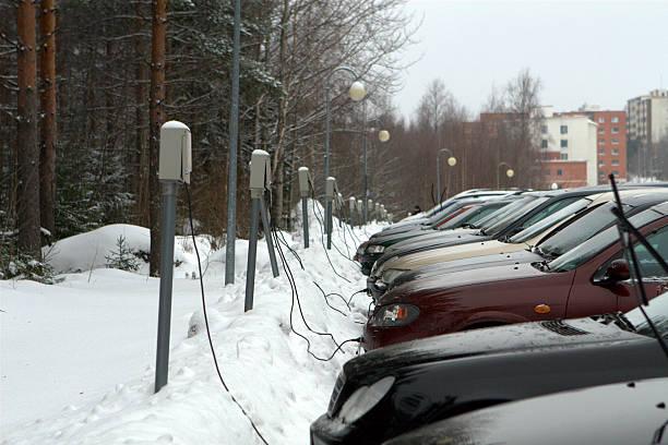 Garé des voitures de Finlande - Photo