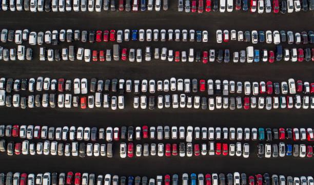 parkenden autos  - motionless in white stock-fotos und bilder