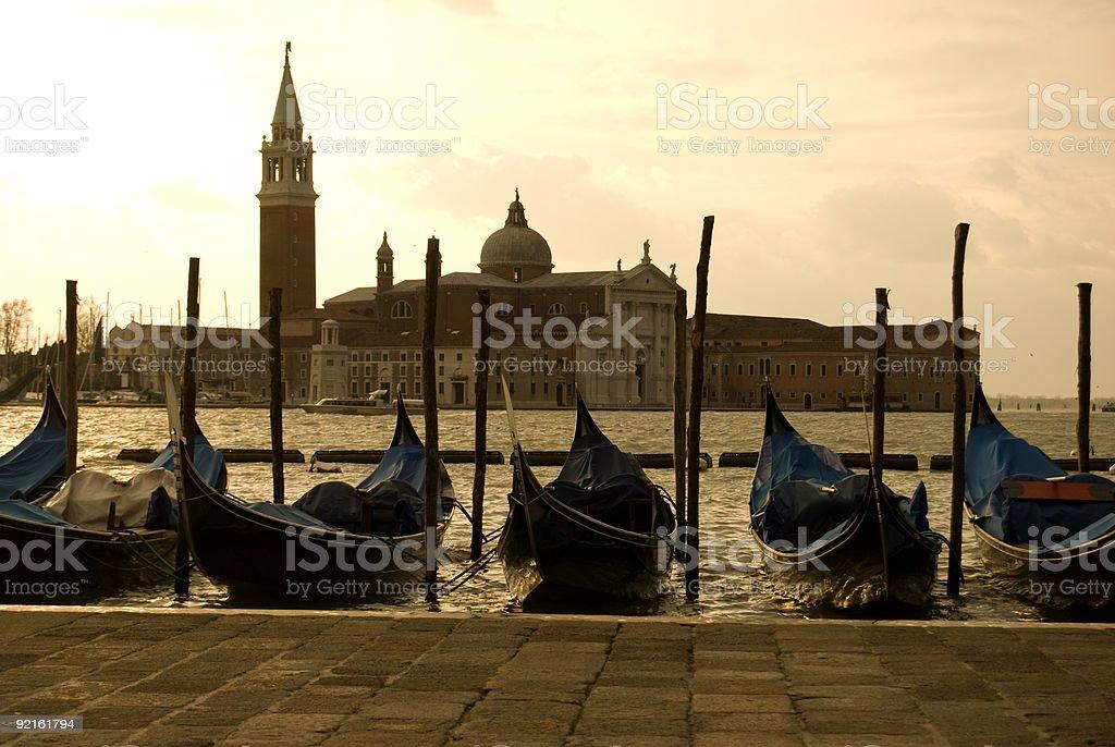 Stationnement Gondoles sur l'île San Giorgio Maggiore à Venise. - Photo