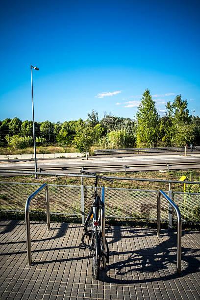 parking for bicycles in sant cugat del valles barcelona - carlosanchezpereyra fotografías e imágenes de stock