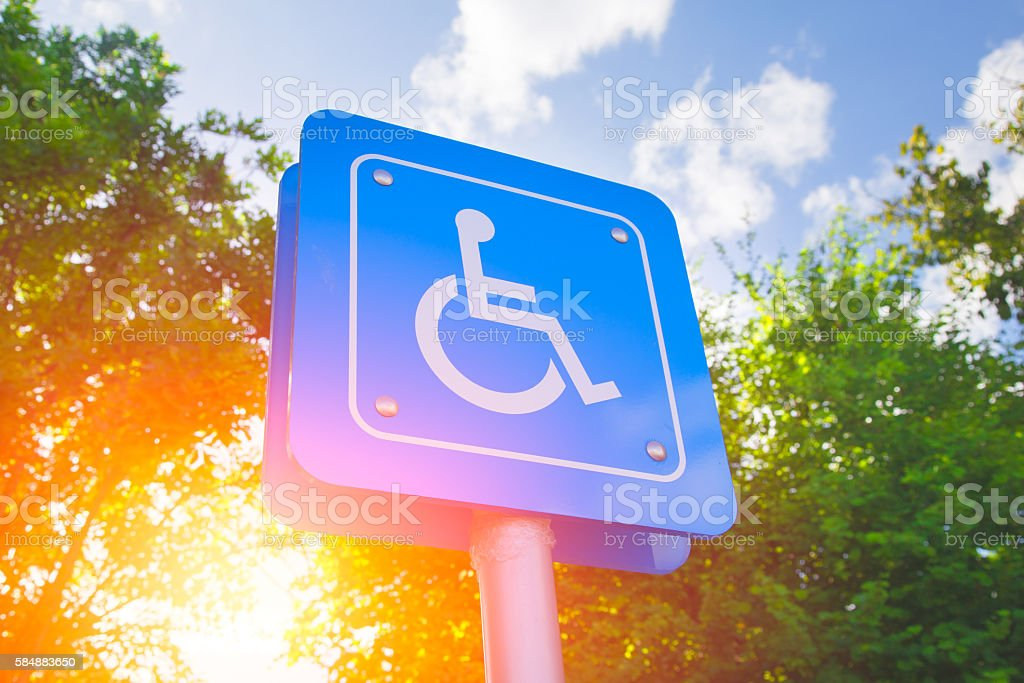 Parking for disability persons sign. – Foto