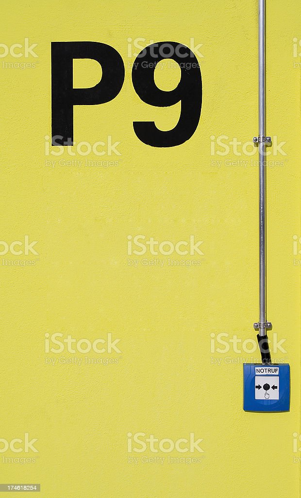 Parking Level Sign and Emergency CallParkdeckbezeichnung und...