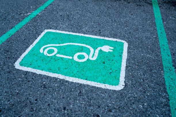 parking - macchina ibrida foto e immagini stock