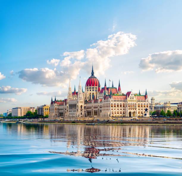 Parlament und Donau – Foto