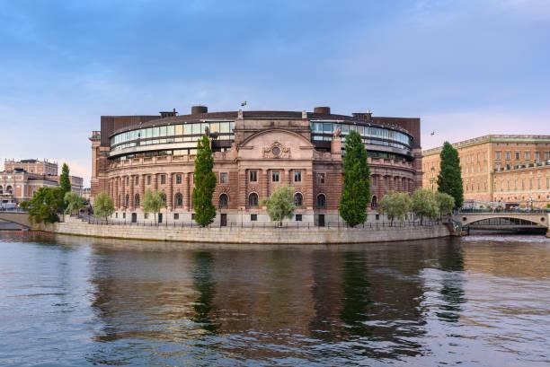 parliament building, stockholm, sweden - politique et gouvernement photos et images de collection
