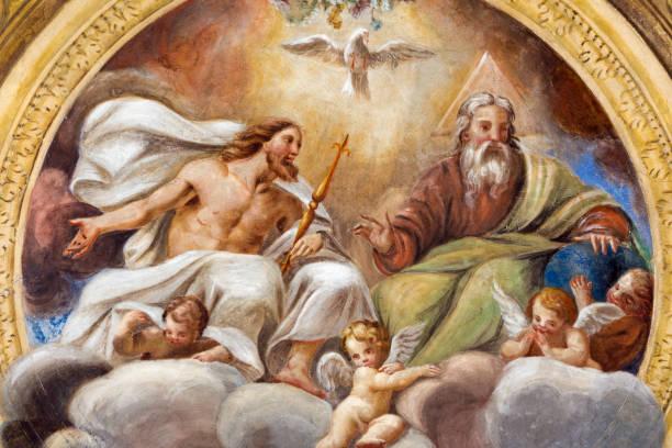 parma - freso sufitu trójcy przenajświętszej w kościele chiesa di santa croce giovanni maria conti della camera (1614 - 1670). - bóg zdjęcia i obrazy z banku zdjęć