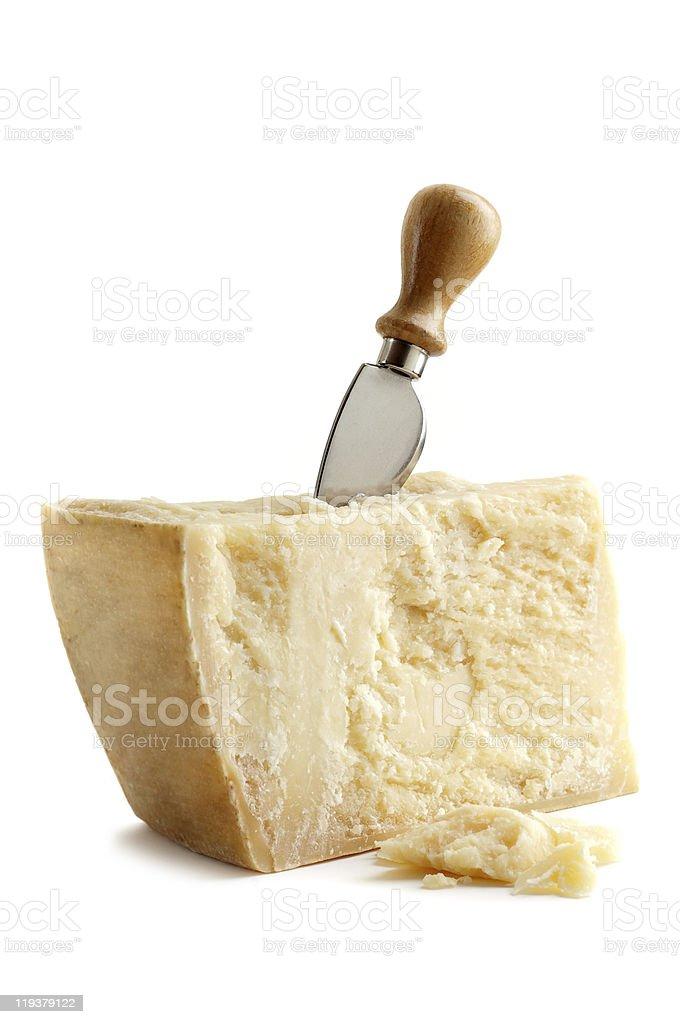 parmesan mit Messer – Foto