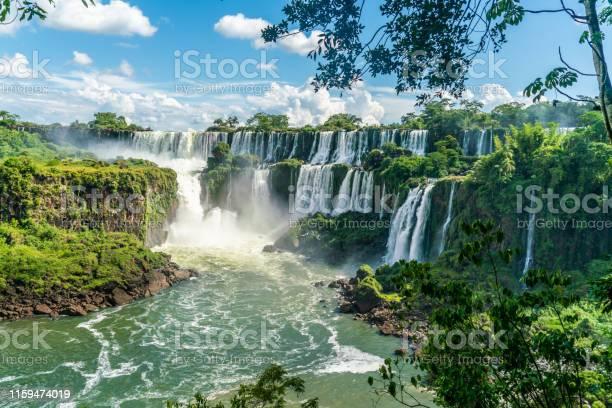 Part Of The Iguazu Falls Seen From The Argentinian National Park - Fotografias de stock e mais imagens de Ao Ar Livre