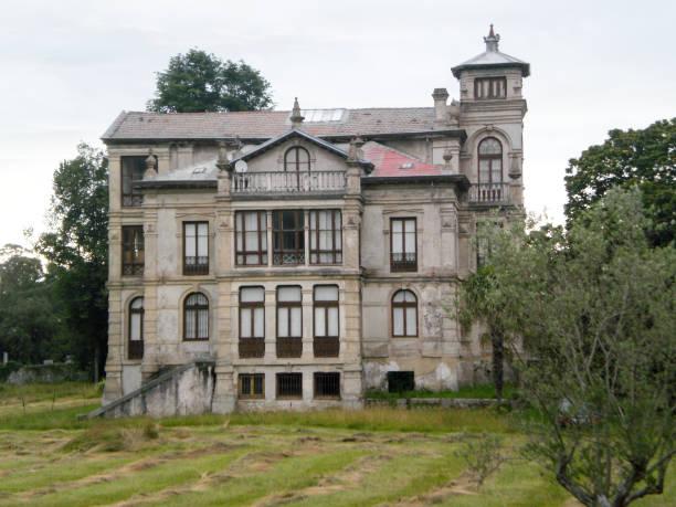 Partarriu Palace oder Villa Parres Mansion 1898 gehörte Jose Parres In Llanes. – Foto