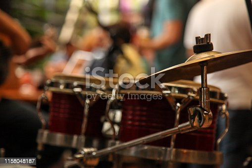Thats a photo of a partial view of the drums and I made the unfocused of the party.