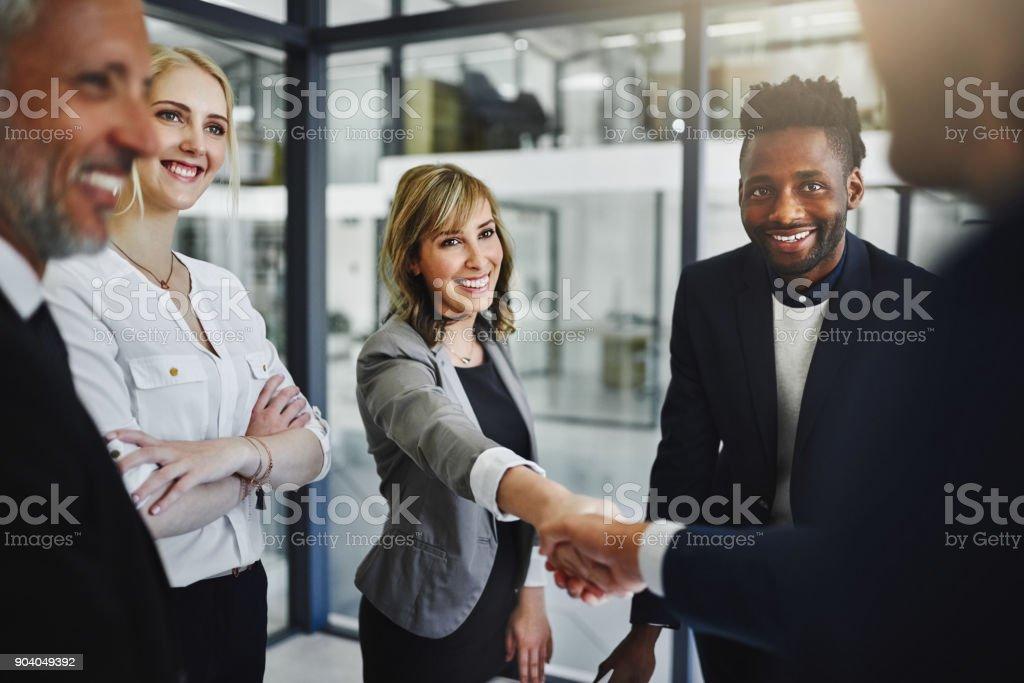 Asociación juntos para lograr su mayor éxito todavía - foto de stock