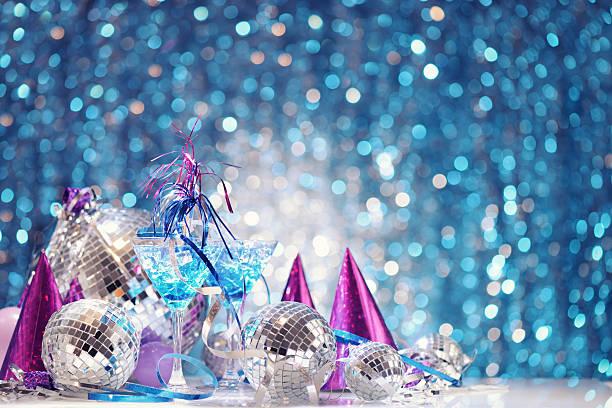 party dekoration mit disco-bälle - eis ballons stock-fotos und bilder