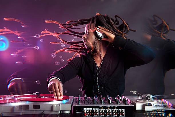 DJ - Photo