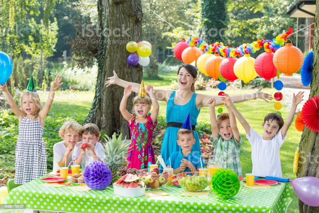 Party entertainer with children ストックフォト