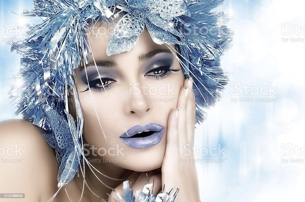 Strona Dziewczyny Zima Kobieta Wakacje Makijaż I Fryzura Stockowe