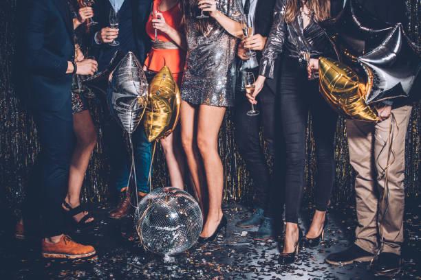 party-nacht - kleid mit verzierung stock-fotos und bilder