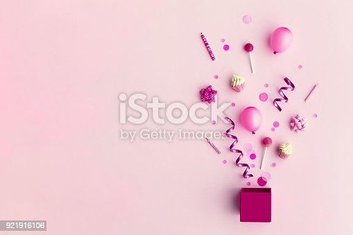 istock Party objects in a gift box 921916106