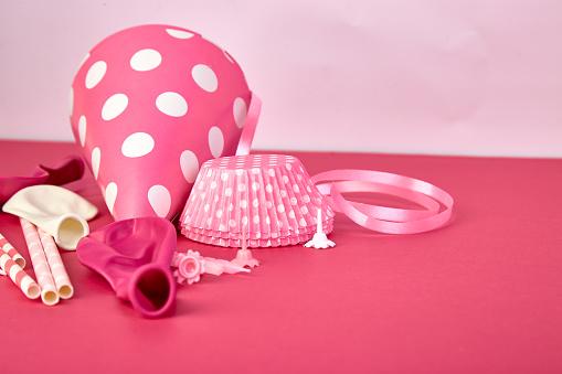 핑크 파티 종이 모자 0명에 대한 스톡 사진 및 기타 이미지