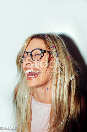 istock Party with a confetti 915660854