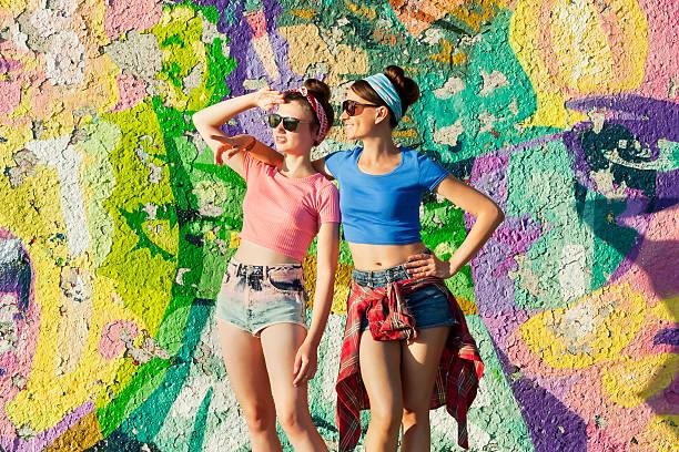 partygirls1 - spaß sprüche stock-fotos und bilder