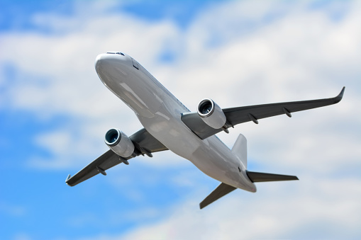 Passagier Vliegtuig In De Wolken Stockfoto en meer beelden van Bedrijfsleven
