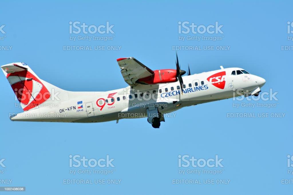 ATR ATR42500 aircraft picture