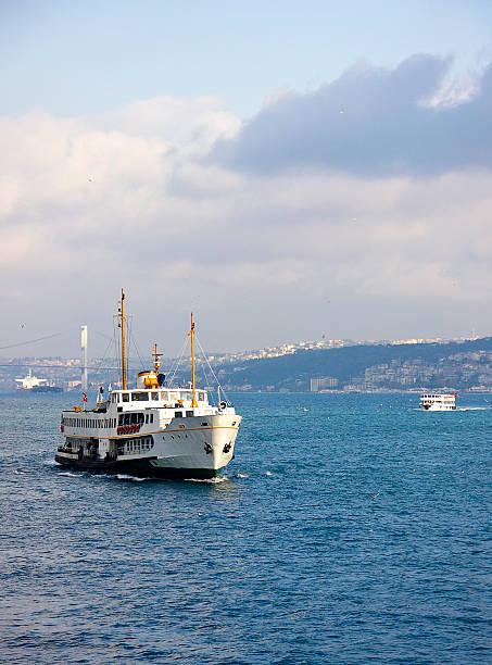 пассажирское судно - каракёй стамбул стоковые фото и изображения