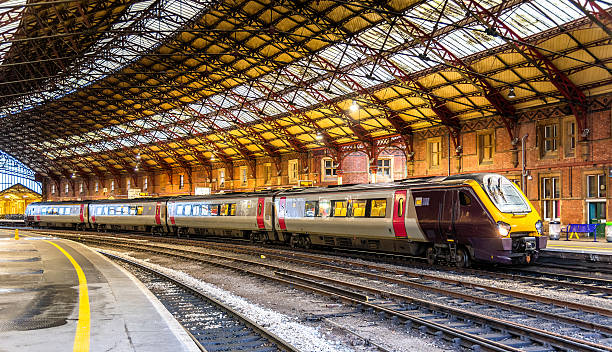 Passenger train at Bristol Temple Meads Railway Station, England Passenger train at Bristol Temple Meads Railway Station, England railroad station stock pictures, royalty-free photos & images
